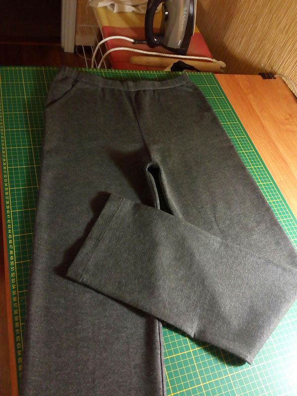 брюки из трикотажа